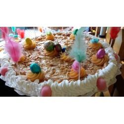 Bollo de Pascua - Tarta de almendra decorada